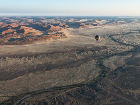 namib en montgolfière namibie