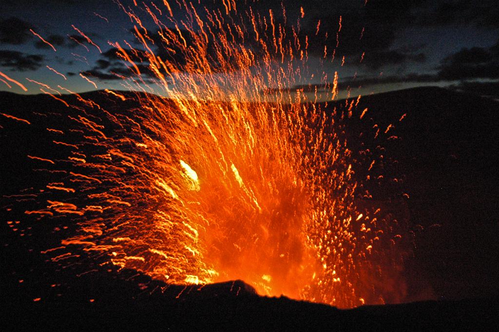 Volcan Yasur en éruption - Tanna (Vanuatu)