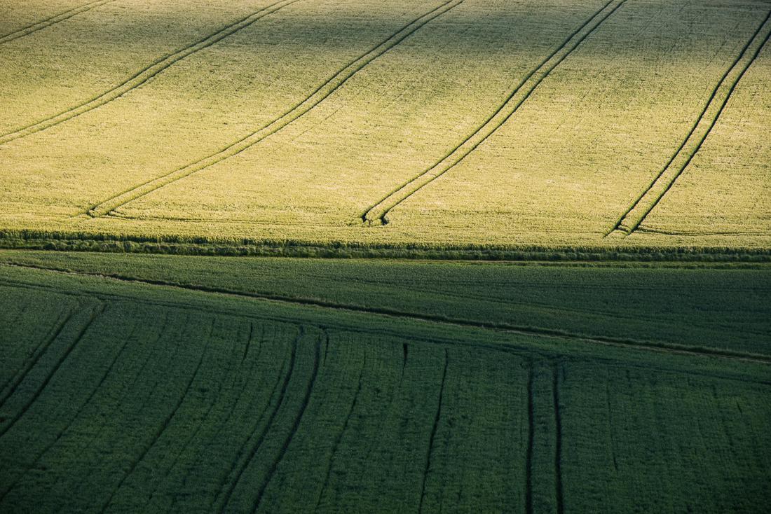 Jeu de lumière dans un champ près de Rouvres, en Eure-et-Loir