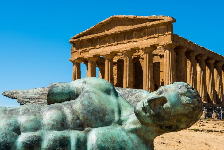Statue Icare Temple Agrigente Sicile
